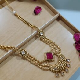 Chand Necklace Set with Jhumki Earring