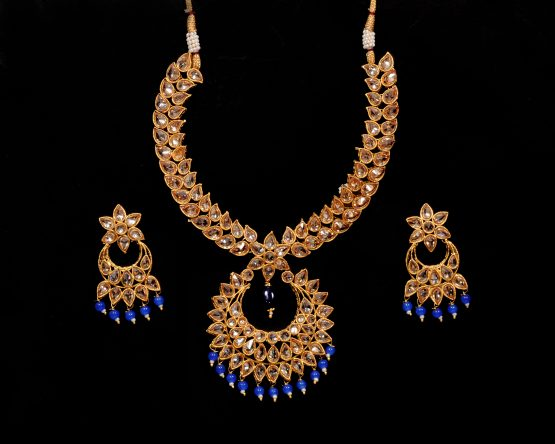 Chand Necklace Set with Earring(Golden, Blue)