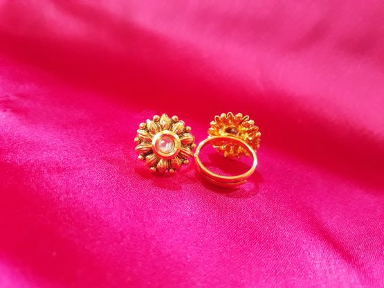 Kali Antique Toe Ring (Gold and White)