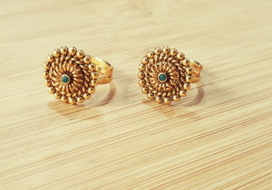 Round Adjustable Toe Ring (Gold and Green)