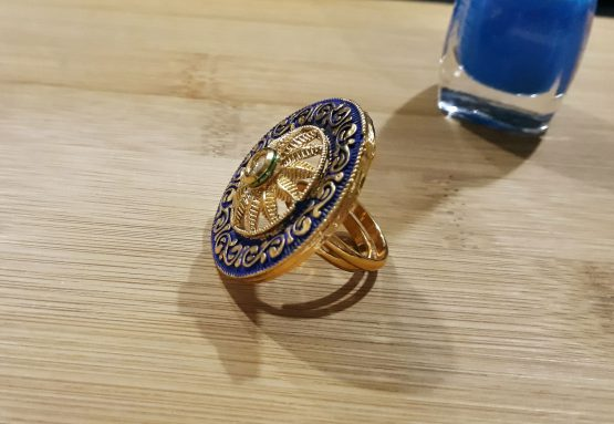 Stylish Round Finger Ring (Gold and Blue)
