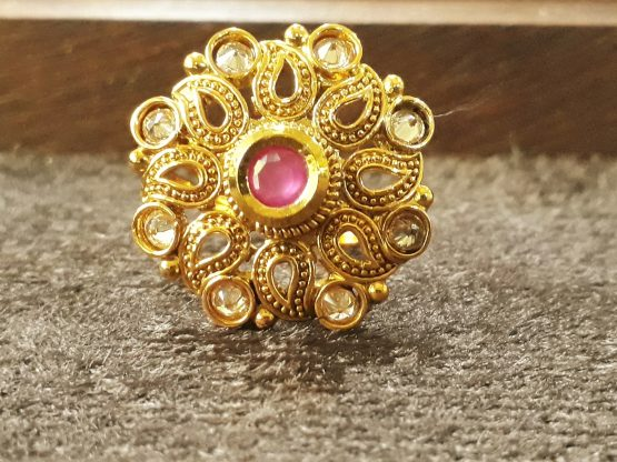 Round Paan Finger Ring (Golden, Ruby)