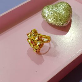 Paan Kundan Ring (Gold and Ruby)