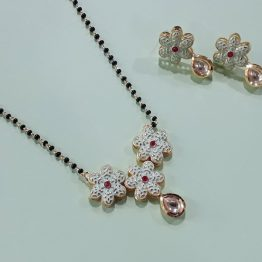 Flower Design Kundan Mangalsutra (Gold, Mint)