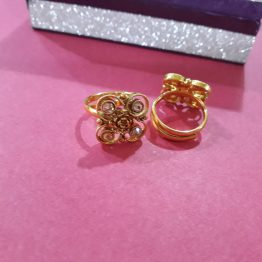 Square Toe Ring (Golden, White)