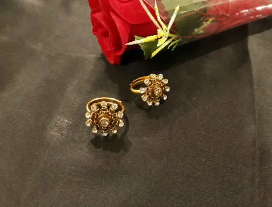 Flowery Toe Ring (Golden, White)