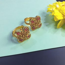 Traditional Square Toe Ring (Golden, Ruby)