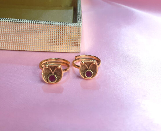 Traditional Bridal Golden Toe Ring Set