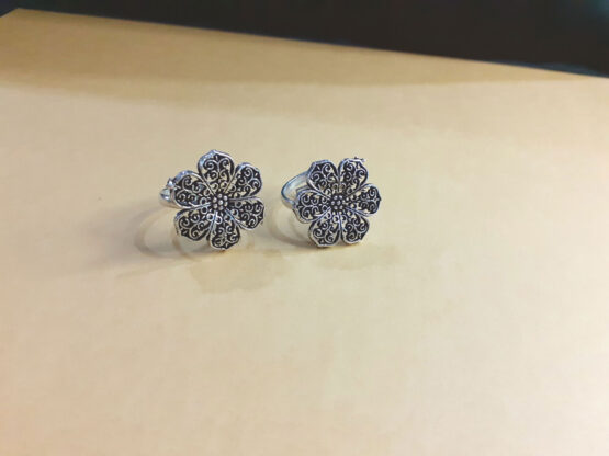 Ethnic Oxidised Silver Floral Toe Ring Set for Women