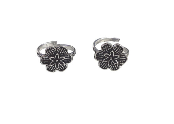 Traditional Oxidised Silver Double Flower Design Alloy Toe Ring Set for Women Girls